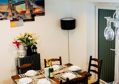 Grenville Holiday Let For 6 People in London Dining Room