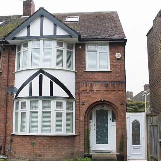 6 Bedroom Family Holiday Home To Let in London - Sleeps 13
