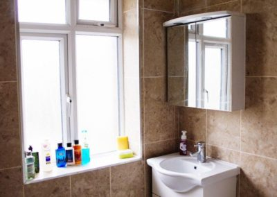 Grenville Holiday Home To Let London Bathroom 2