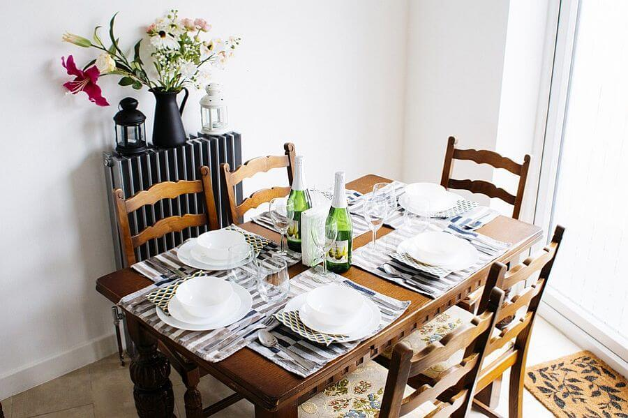 Grenville Holiday Home To Let London Dining Area 3B
