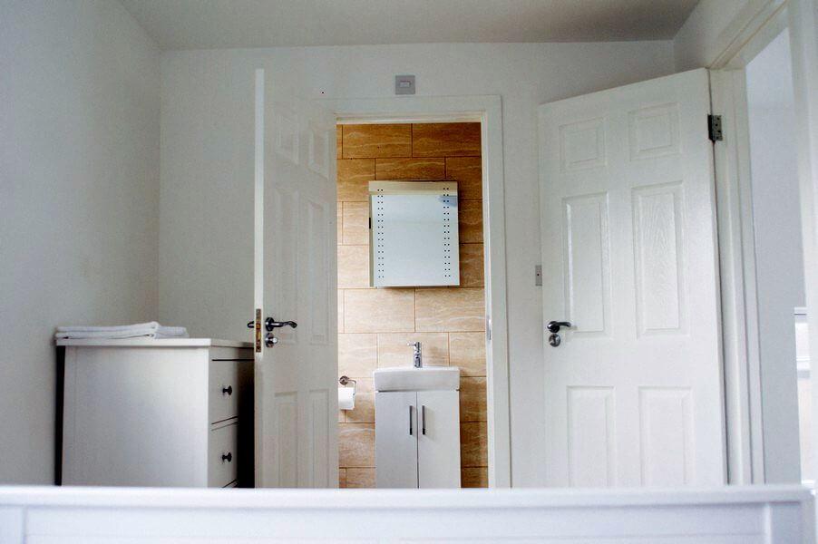 En Suite Bathroom For Bedroom 5 at Grenville