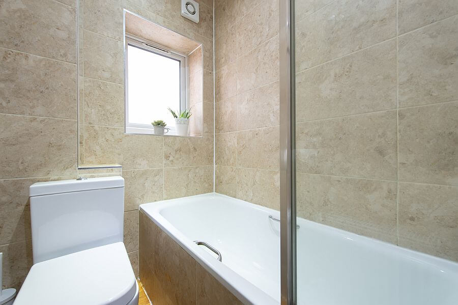 Woodleigh Apartment's Bathroom Has A Bath & Overhead Shower